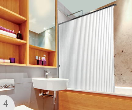 Folding bath screen perfect for showers over baths